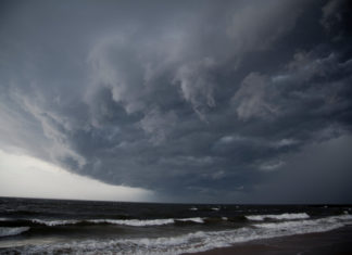 Hurricane vs Tornado at Storm Smart