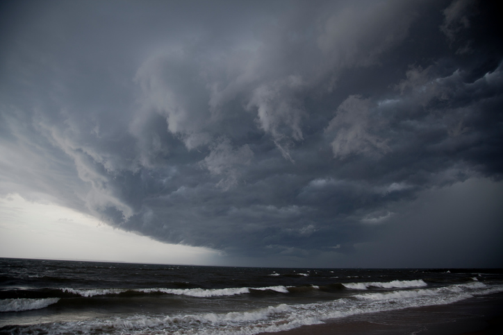 The Differences Between Hurricanes And Tornadoes Storm Smart